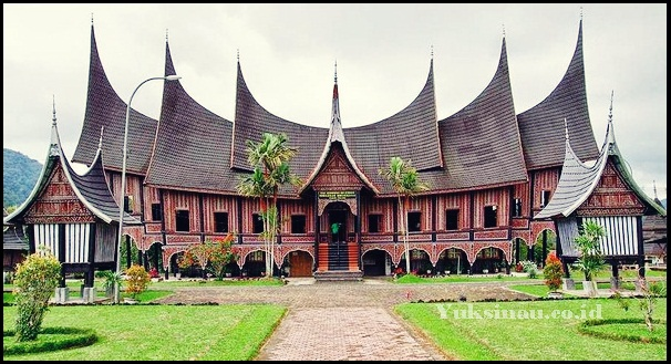 Gambar Rumah Adat Sumatera Barat